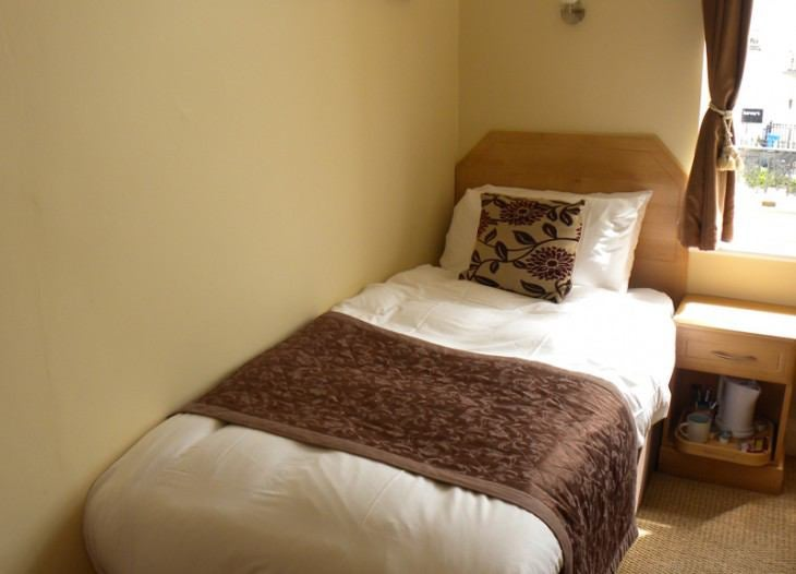 Fully Furnished Single Room Available  Room to Rent from