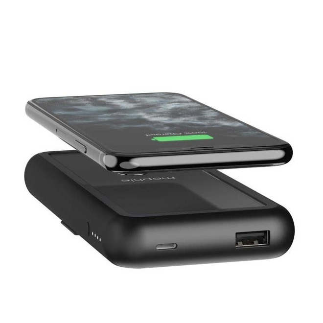 Powerstation Plus XL ha le stesse caratteristiche del Powerstation Plus ma aggiunge un'uscita wireless Qi e una batteria più grande