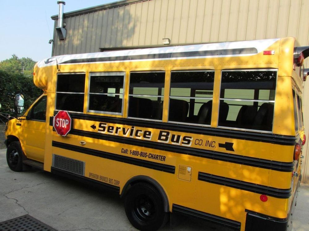 medium resolution of 2006 ford e 450 school bus 11161156 3