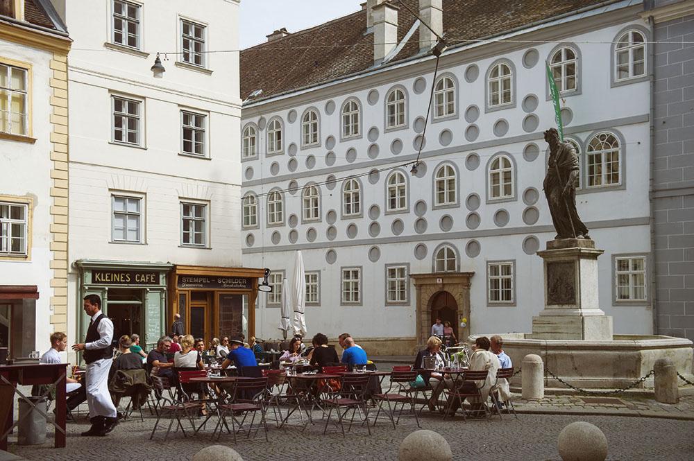 franziskanerplatz, kleines café, vienna, first dirstrict