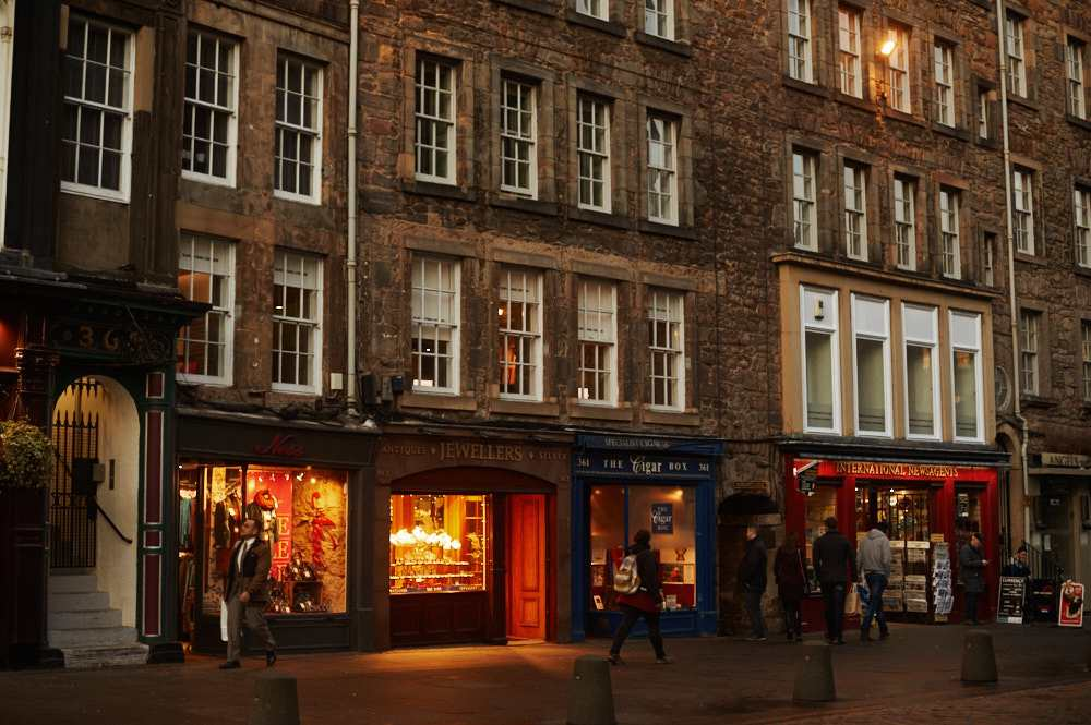 royal mile, edinburgh, scotland, uk
