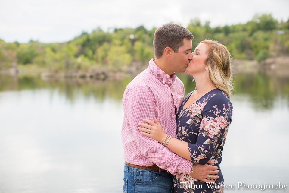 outdoor tulsa engagement photographers