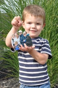 Ornament_Gavin_Holding2