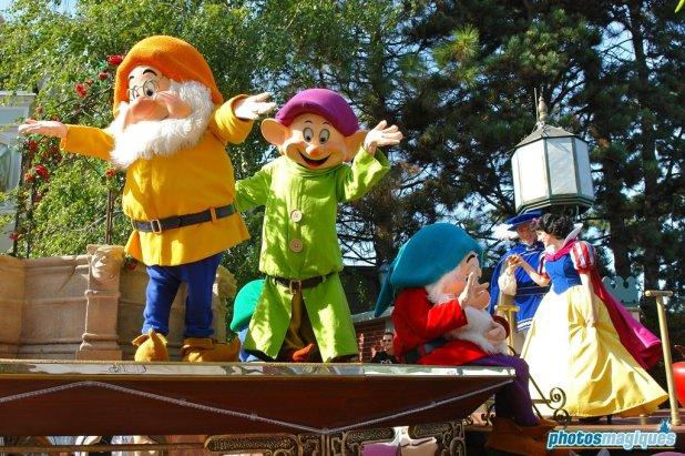 Doc, Dopey, Bashful, Snow White, Prince (2006)