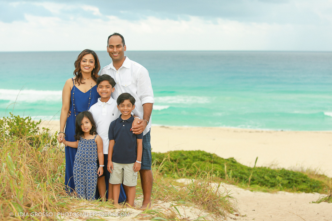 small-res-Seby-and-Prabha-family-portrait-Cancun-004-1.jpg