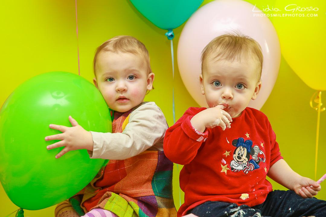Fotografia compleanni bimbi Torino, Fotografia gemelli Torino, fotografo bambini e neonati Torino, Ritratti di famiglia Torino