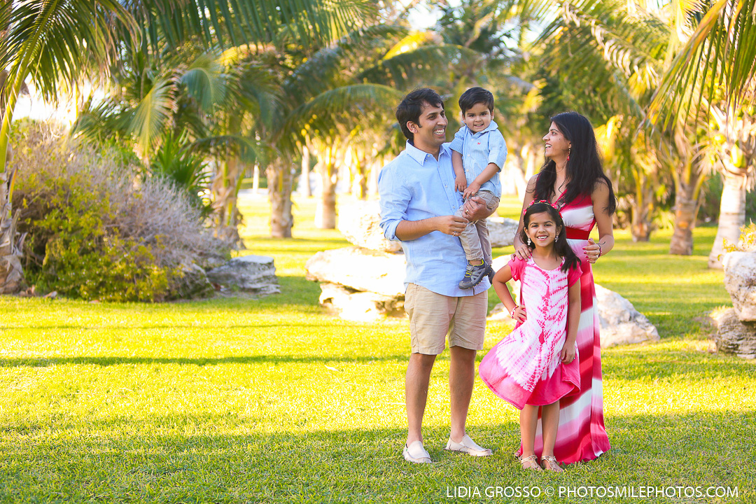 small-res-Vishal-family-portrait-Cancun-004.jpg