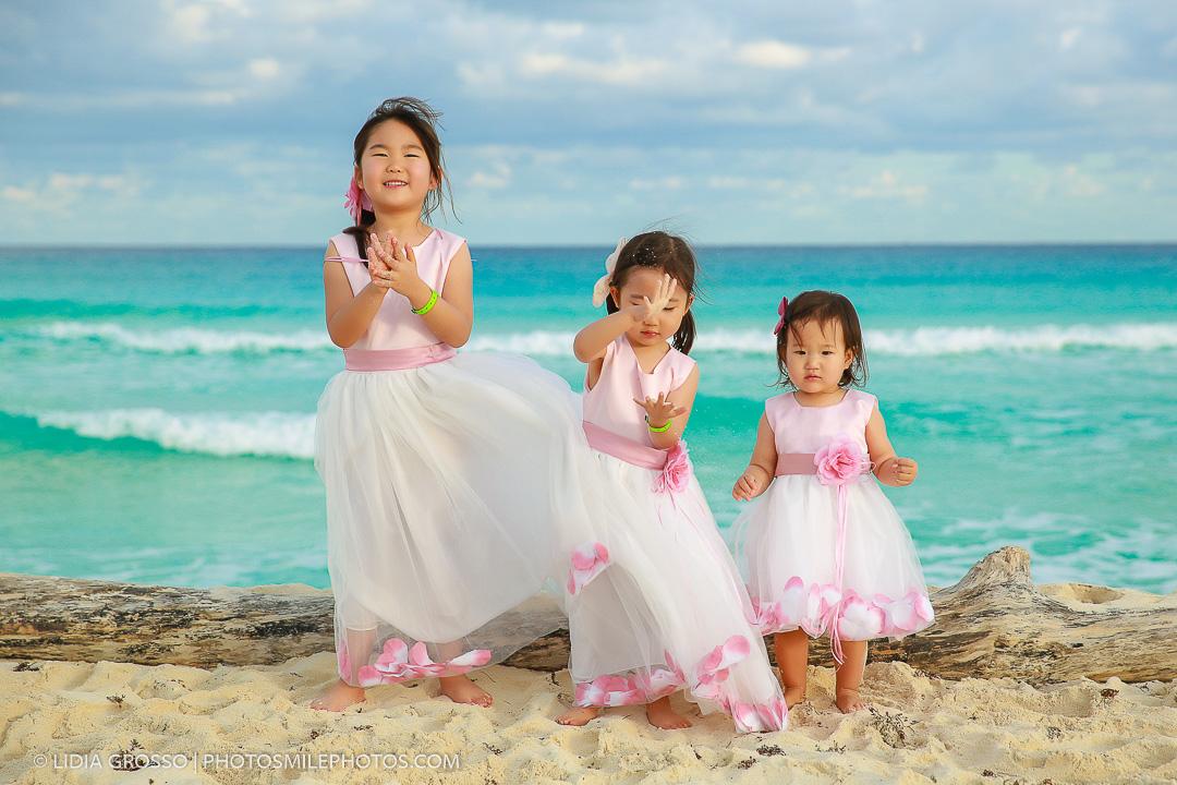 Korean family portrait reunion Cancun, beach portraits Cancun, cancun photographer, cancun destination wedding photographer, Lidia Gros