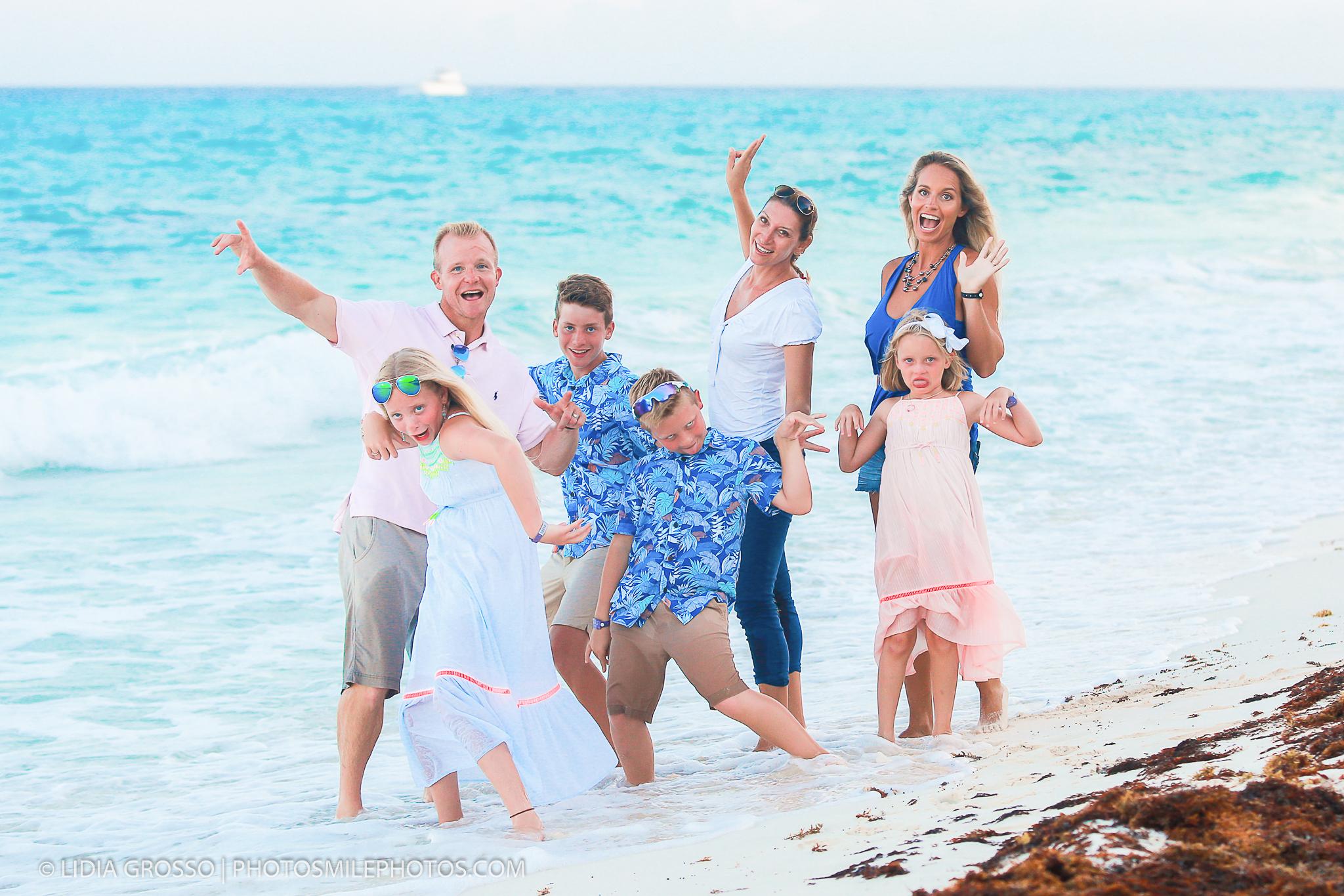 low-res-Beashore-family-Cancun-2020-232.jpg