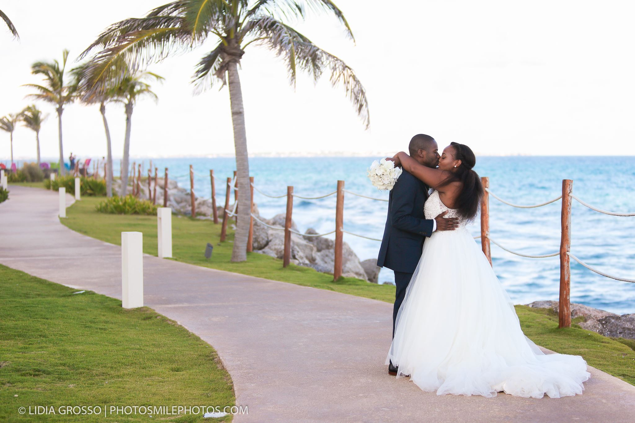 cancun wedding photos; a day after session photos; Hyatt Ziva Cancun wedding photographer; fotografo matrimoni;