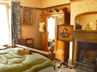 Beamish-Victorian-bedroom