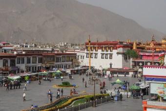Place centrale du vieux Lhassa -Tibet