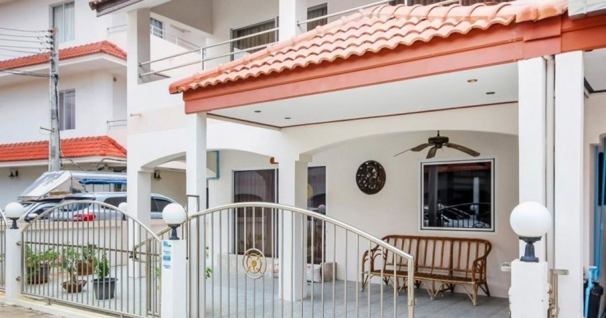 3 Bedroom Townhouse For Sale In Pattaya Chonburi Chonburi