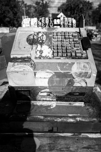"""Skulptur in der Ausstellung ,,Heidelberg Projekt"""" unter freiem Himmel im Viertel Mc Dougall-Hurt in Detroit, USA September 2015 // Sculptur in the open air exhibition ,,Heidelberg Project"""" in the distirct Mc Dougall-Hurt in Detroit, USA. September 2015"""