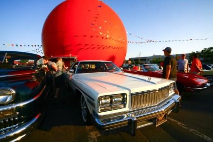 Klassisches, historisches Fahrzeug aus Amerika, USA bei einem Oldtimer Treffen in Montreal, Kanada. Juli 2015 // US classic car meeting in Montral, Canada. July 2015
