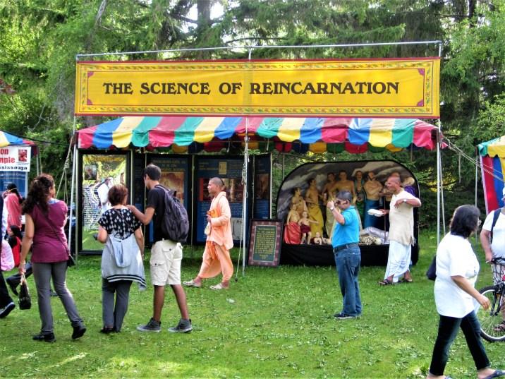 "Religiöser Informationsstand ,,Science of Reincarnation"" in Toronto, Kanada. Juli 2015 // Religious information stand ,,Science of Reincarnation"" in Toronto, Canada. July 2015"