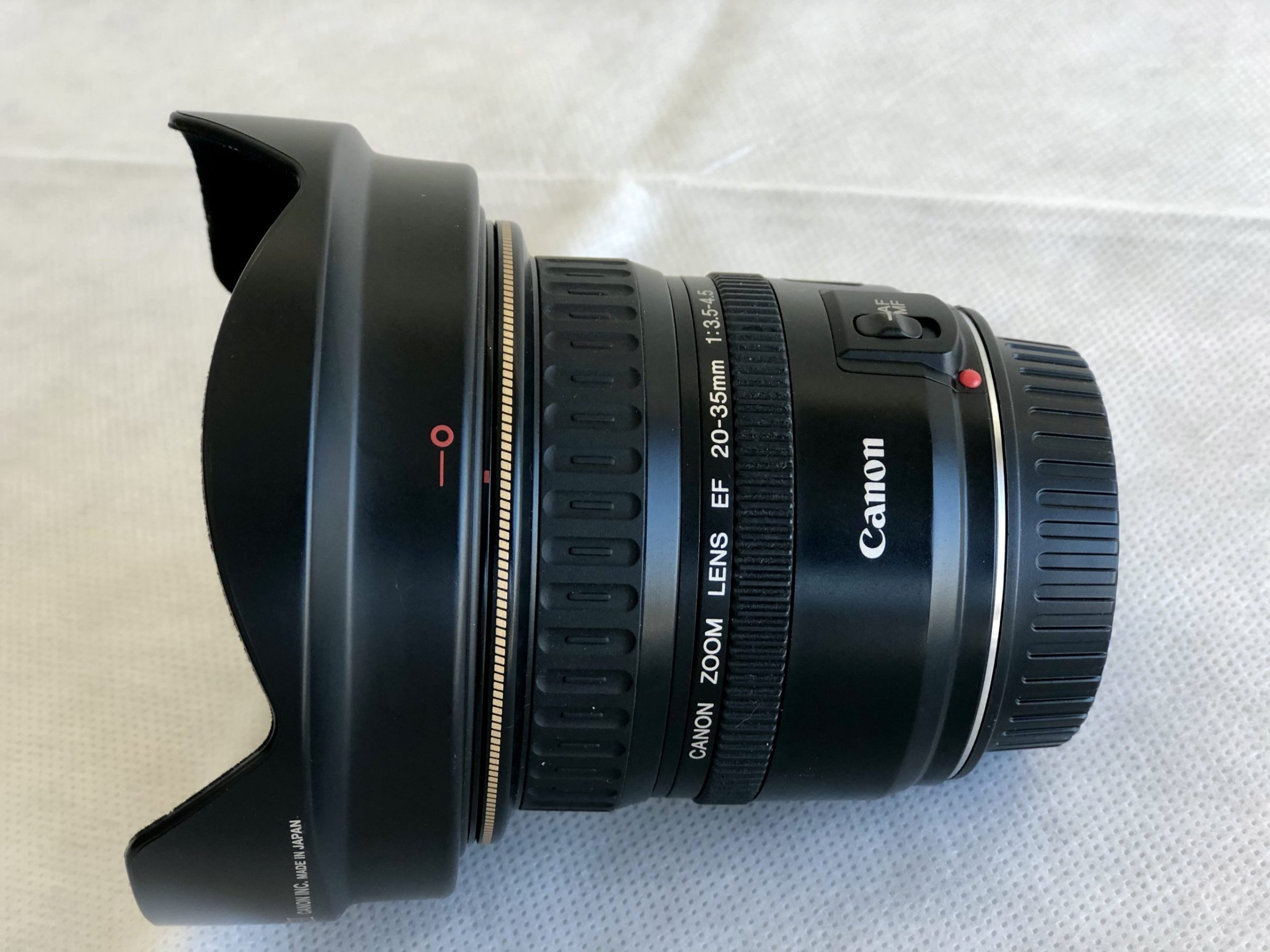 Canon Zoom Super Wide Angle EF 20-35mm f/3.5-4.5 USM Autofocus Lens