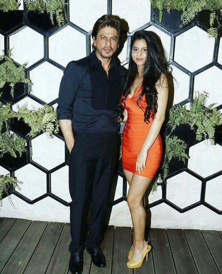 Shahrukh Khan Daughter Age : shahrukh, daughter, Shahrukh's, Daughter, Suhana, Unseen, Photos, Indian, Cinemas, Updates