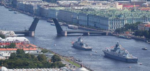 Indian frigate and Chinese destroyer to take part in Russian Navy Day parade