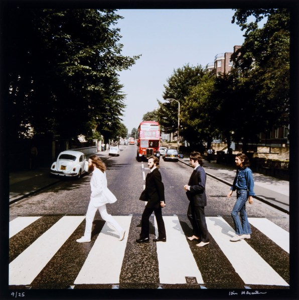 © Iain MacMillan, The Beatles, Photo 4 (Reproduction, © Bloomsbury Auctions)