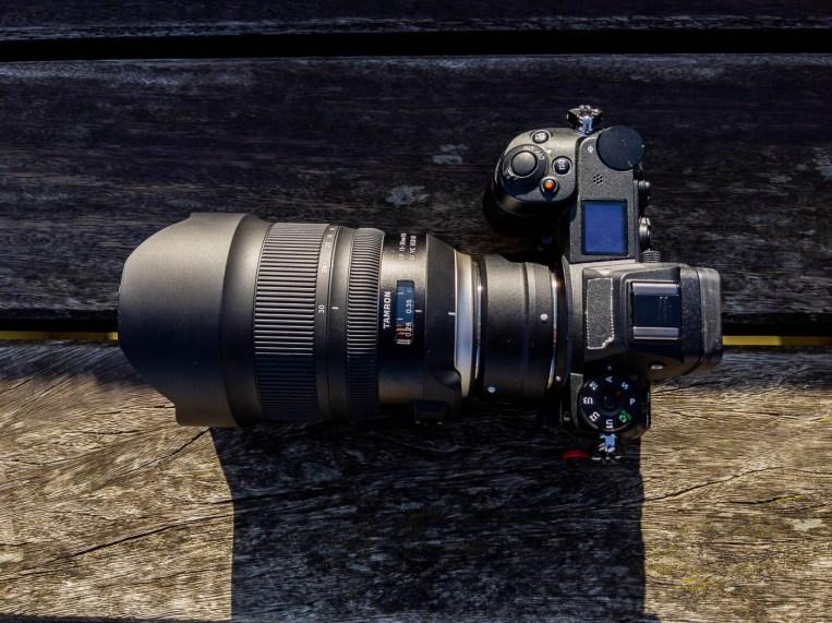 L'objectif monté sur un Nikon Z6 avec bague FTZ