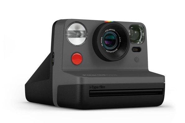 PolaroidNow BLACK 1
