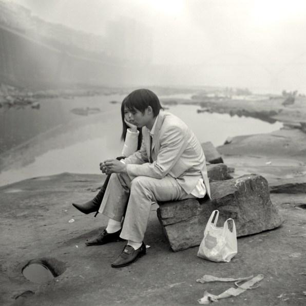 Les Amants Sur La Rive Du Yangzi. © Mu Ge