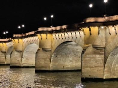 Pont Neuf, bruit numérique - 65 mm, f/2,2, 1/35s, 800 ISO