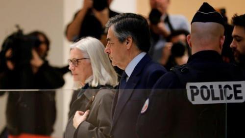 Emplois Fictifs François Fillon Condamné à 5 Ans De