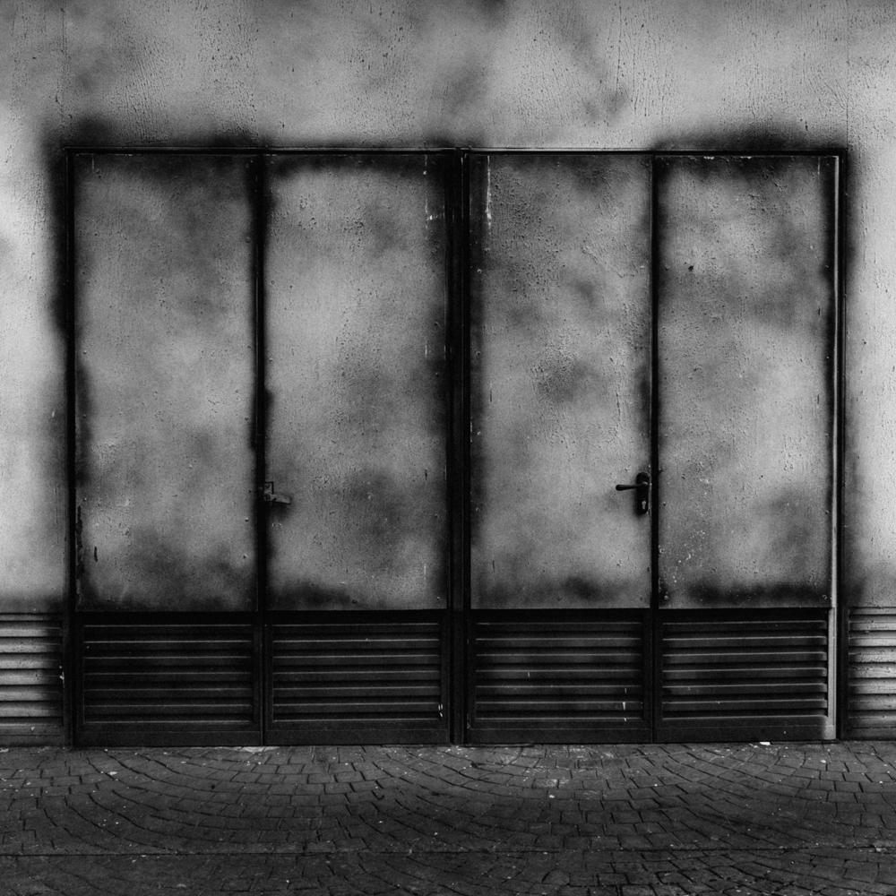 PHROOM magazine online exhibition space dedicated to contemporary fine art photography