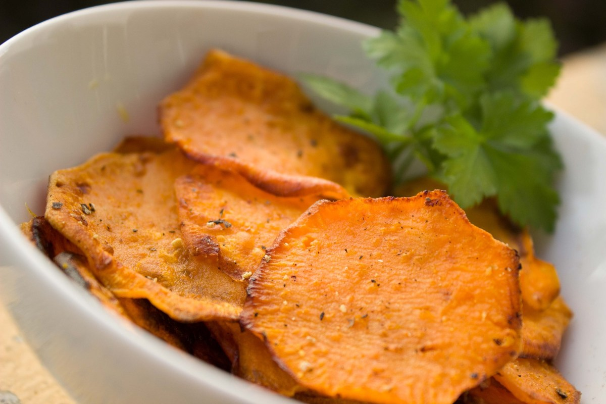 Sweet Potato Chips with Avocado Dip