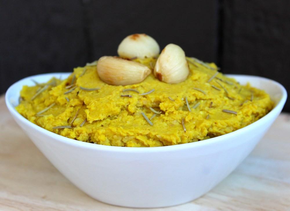 Garlic Turmeric Hummus