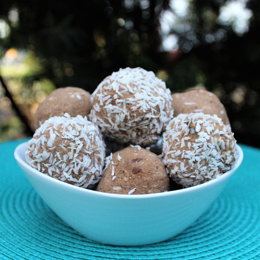 Vanilla Coconut Cookie Dough Bites