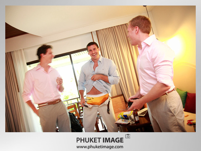 Destination Phuket wedding photographer - phuket wedding image 002