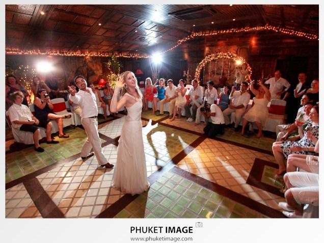 Wedding photograher in Koh Lanta, Krabi, Southern of Thailand.