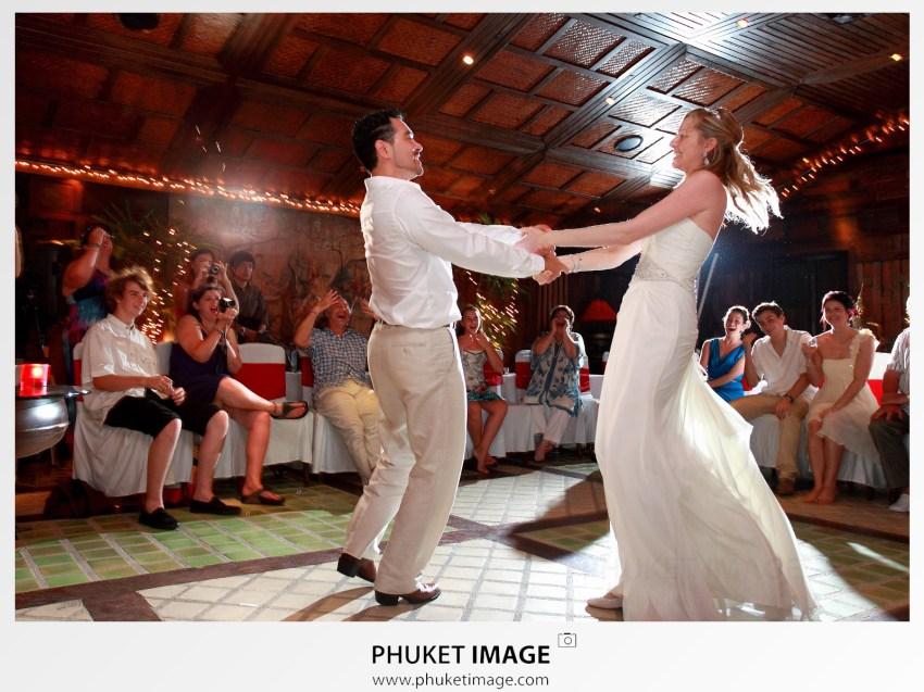 Bundit Arsa a professional wedding photographer based Thailand.