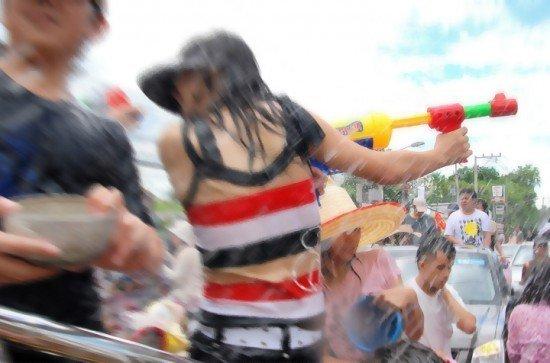 Phuket designates alcohol free water fight zones for Songkran