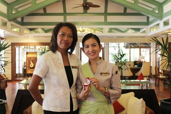 Phuket Chief Concierge honoured by Les Clefs d' Or