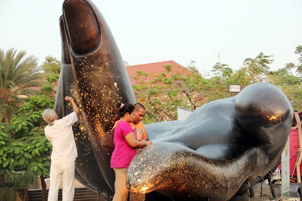 Phuket exhibiting hand of world's biggest Guan Yin statue