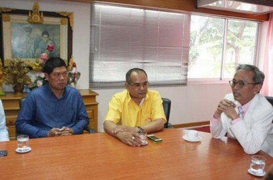 Phuket officials meet to discuss Pa Khlok development