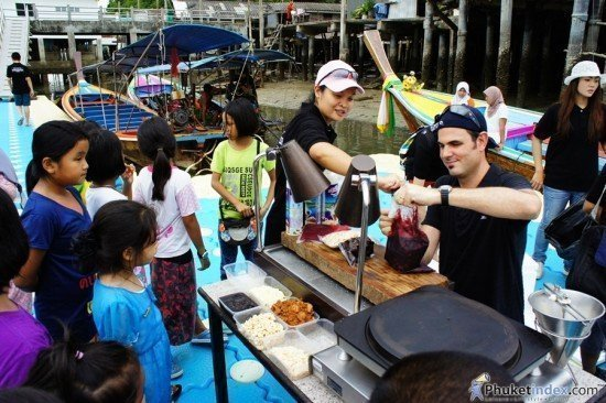 Renaissance Phuket holds CSR activity at Pan Yee Island