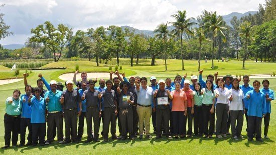 The awards were presented to the golf course maintenance team, who deserve the most credit for their hard work in bringing the golf course to international standards.