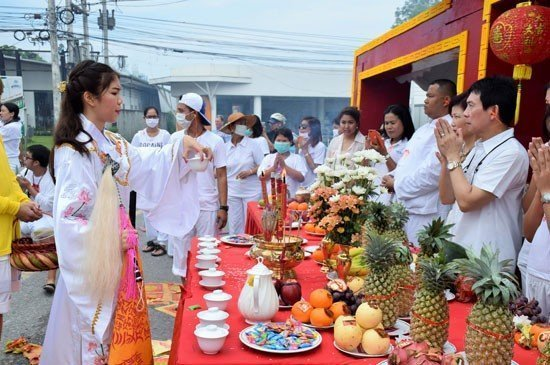 """Ma Song"" or Chinese Gods and Goddesses entranced devottees took offerings and gave blessing at the station."