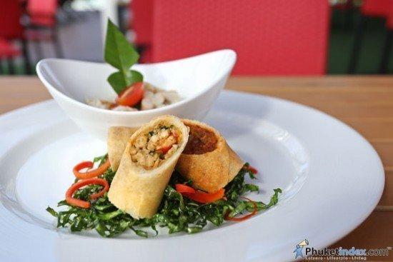 Starter - Trio spring roll and Coconut thai herbs soup