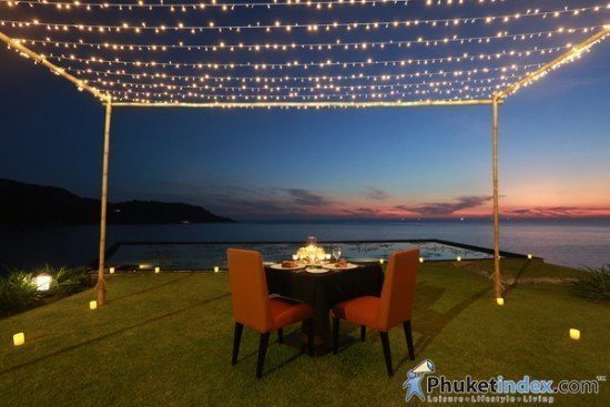 Romantic Dinner at The Lawn Impiana Private Villas kata Noi 01