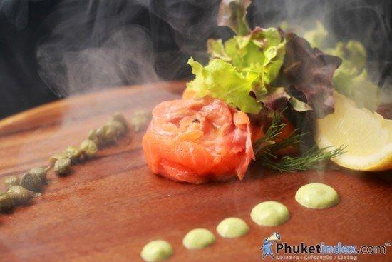 Romantic Dinner at The Lawn Impiana Private Villas kata Noi 02