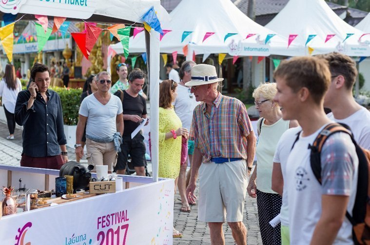 The main full-day Festival at Canal Village saw more than 3,000 visitors enjoying a wide range of yummy food and great music performances.