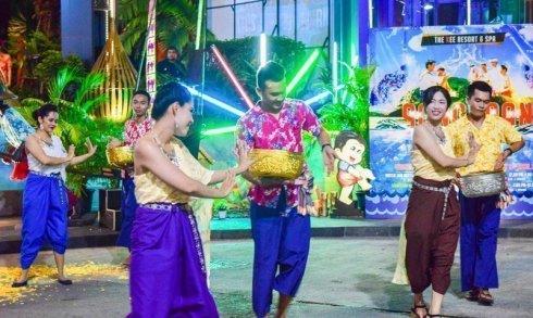 Songkran NAKEE Festival 2017 @ The KEE Resort & Spa :Patong Beach