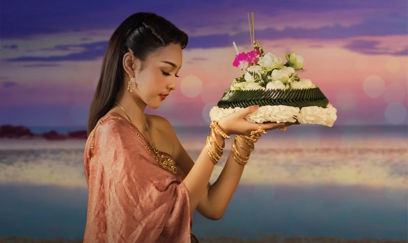 Enjoy an enchanting dining experience this Loy Krathong