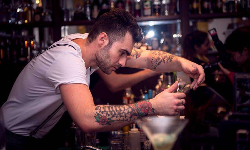 Guest bartenders bring a taste Hong Kong-style  innovation to Sofitel Krabi